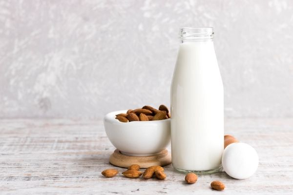 almond milk for oily skin