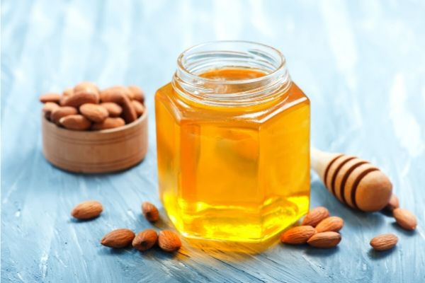 honey and almonds for oily skin