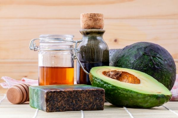 avocado and honey for oily skin