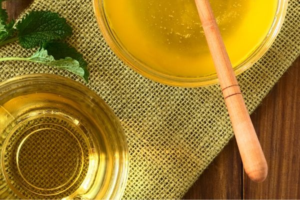 honey and jojoba oil for oily skin