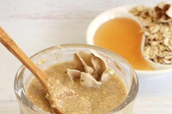 oatmeal and honey for oily skin