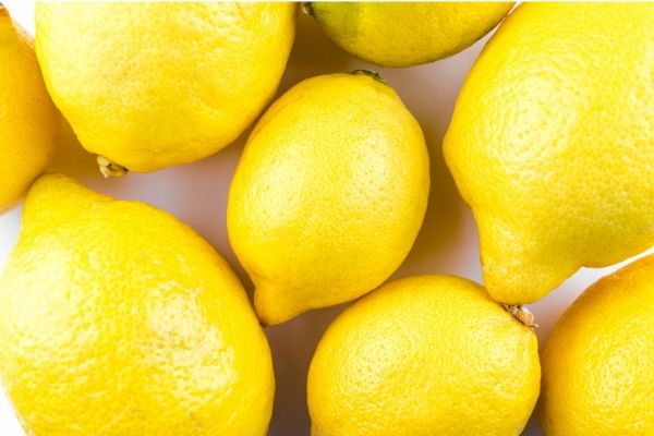 lemons for oily skin