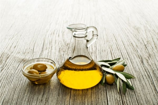 olive oil for oily skin