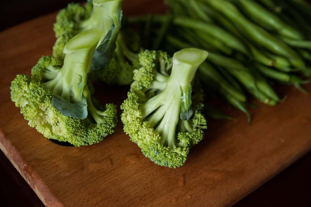 picture of broccoli that can be included in the diet for oily skin