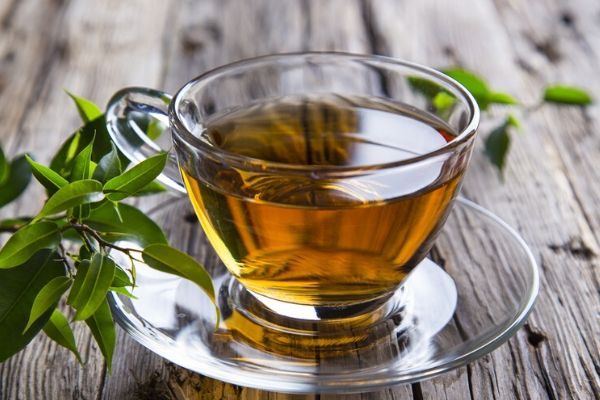 green tea is an excellent home remedy for acne