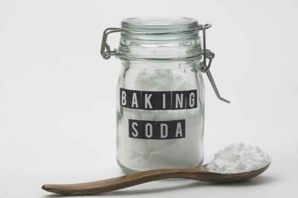 picture of baking soda in a jar